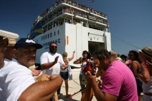 Αποχαιρετισμός των επισκεπτών στην Κάσο